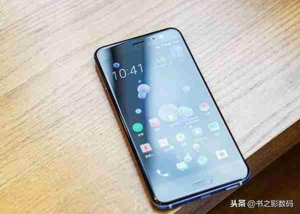 从4999降到2399,价格跳水的HTC旗舰,对比2000档手机怎么样?