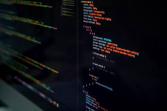 PHP如何将二维数组转为一维数组?